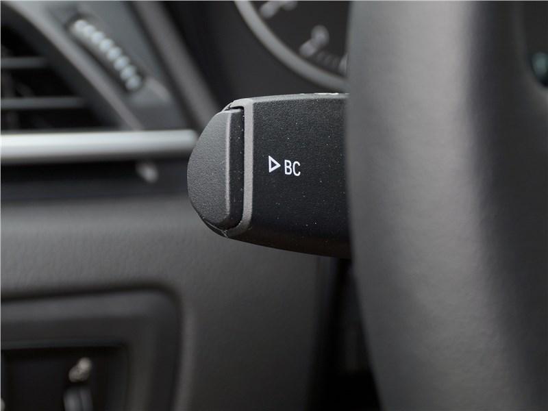 BMW 2 Series Active Tourer 2017 подрулевой переключатель