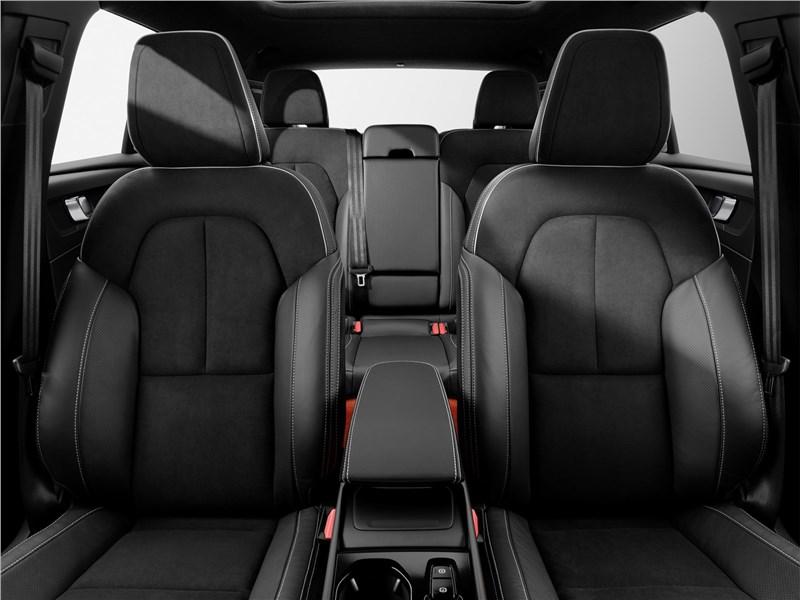 Volvo XC40 2018 передние кресла