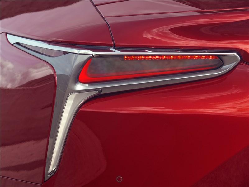 Lexus LC500 2017 задний фонарь