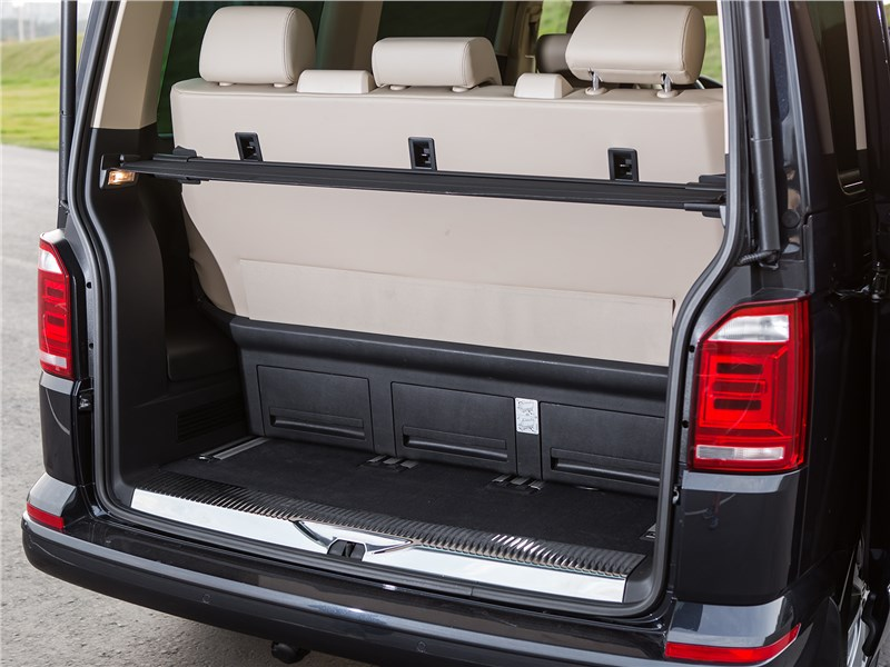 Volkswagen Multivan Highline багажное отделение