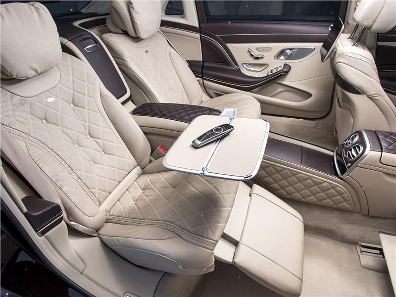 Mercedes-Maybach S 450 4Matic 2018 места для пассажиров