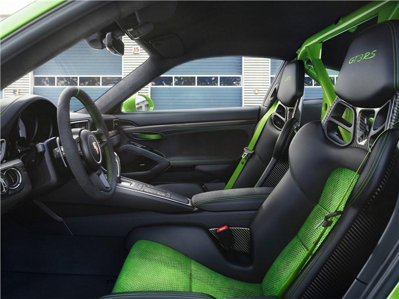 Porsche 911 GT3 RS 2019 передние кресла