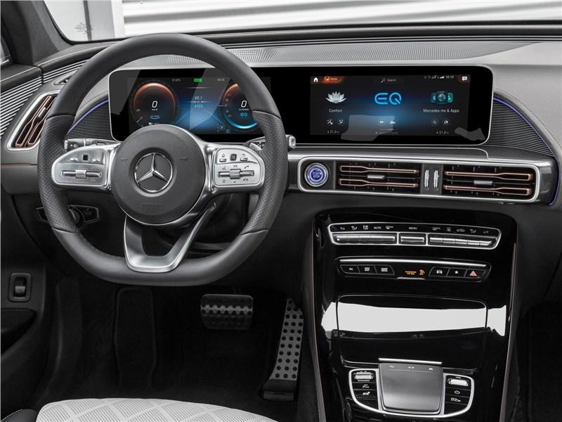Mercedes-Benz EQC 2020 водительское место