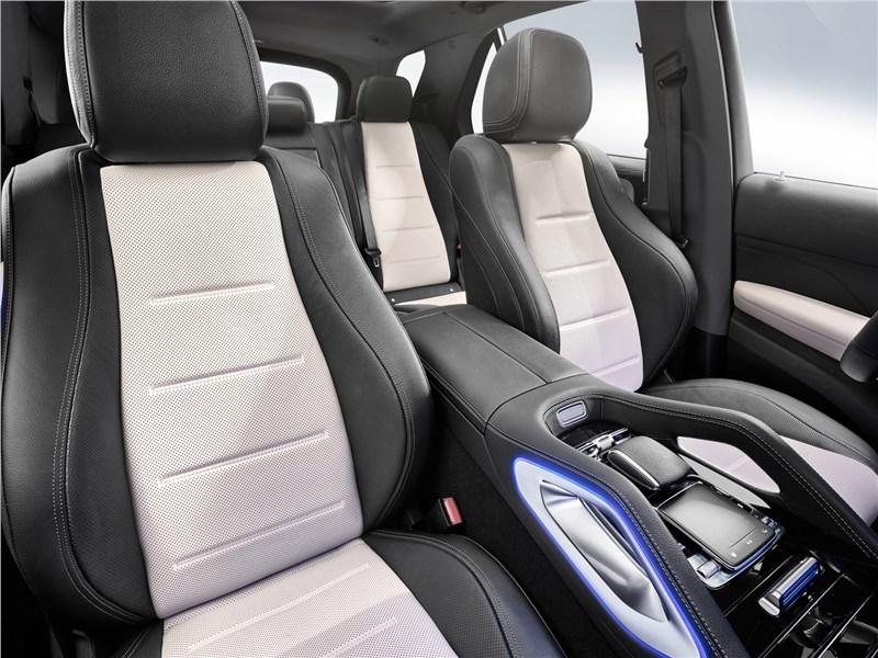 Mercedes-Benz GLE 2020 передние кресла