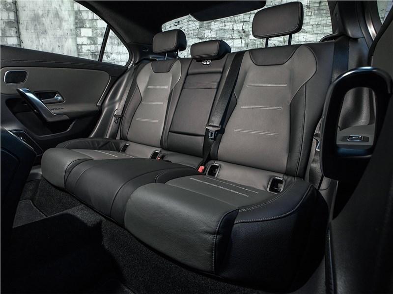 Mercedes-Benz A-Class 2019 задний диван