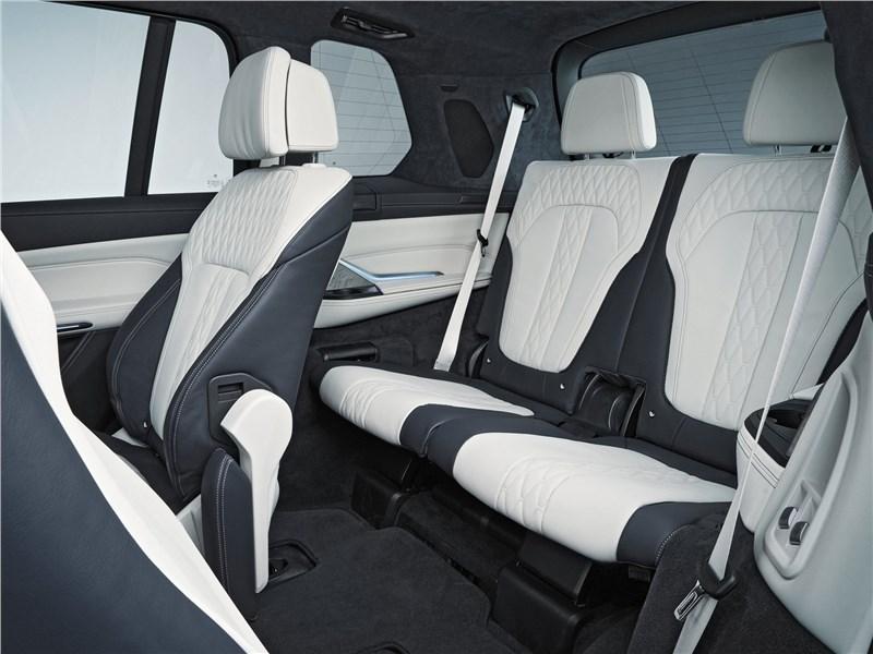 BMW X7 2019 третий ряд
