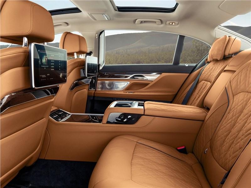 BMW 7-Series 2019 задние кресла