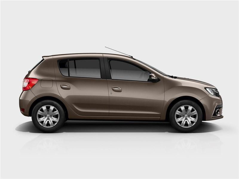 Renault Sandero 2018 вид сбоку