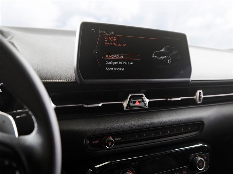 Toyota Supra 2020 монитор
