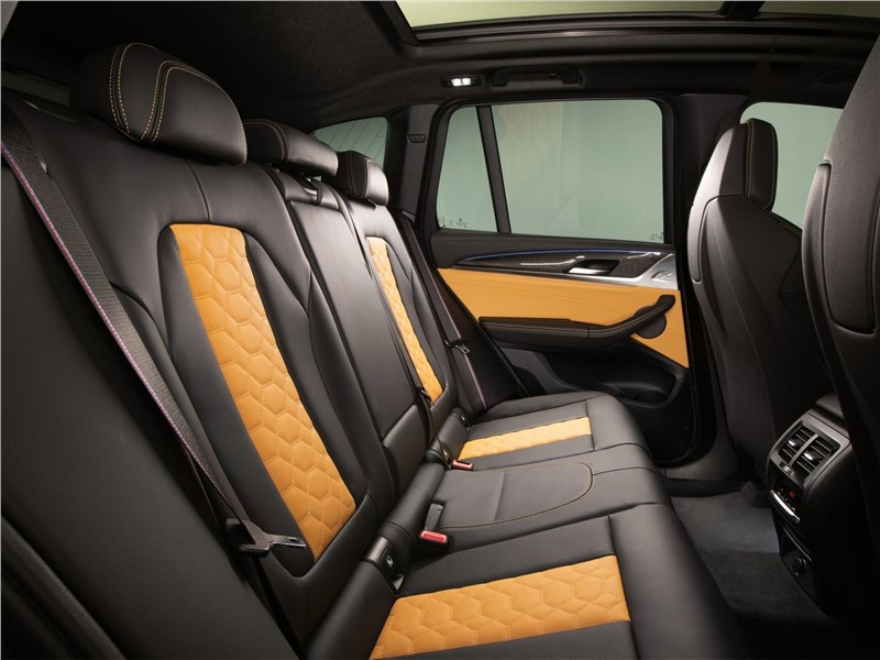 BMW X3 M Competition 2020 задний диван