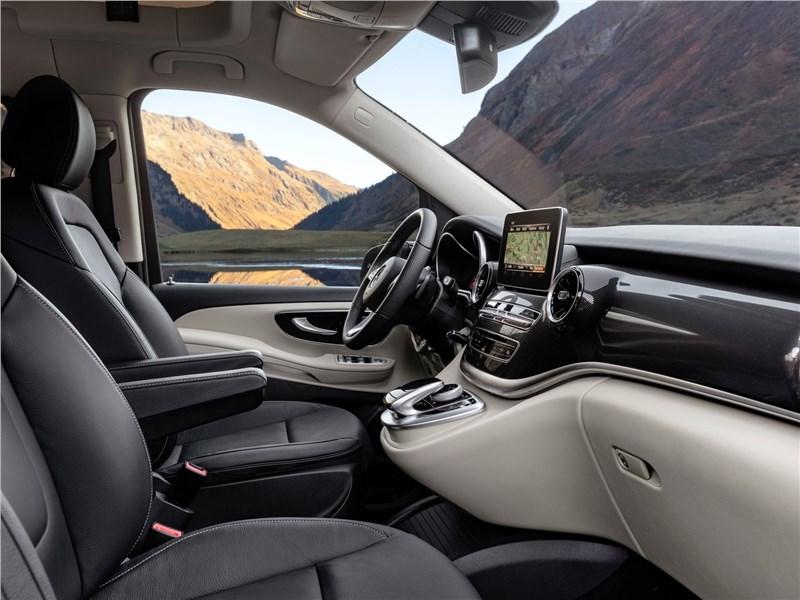 Mercedes-Benz V-Klasse 2020 передние кресла