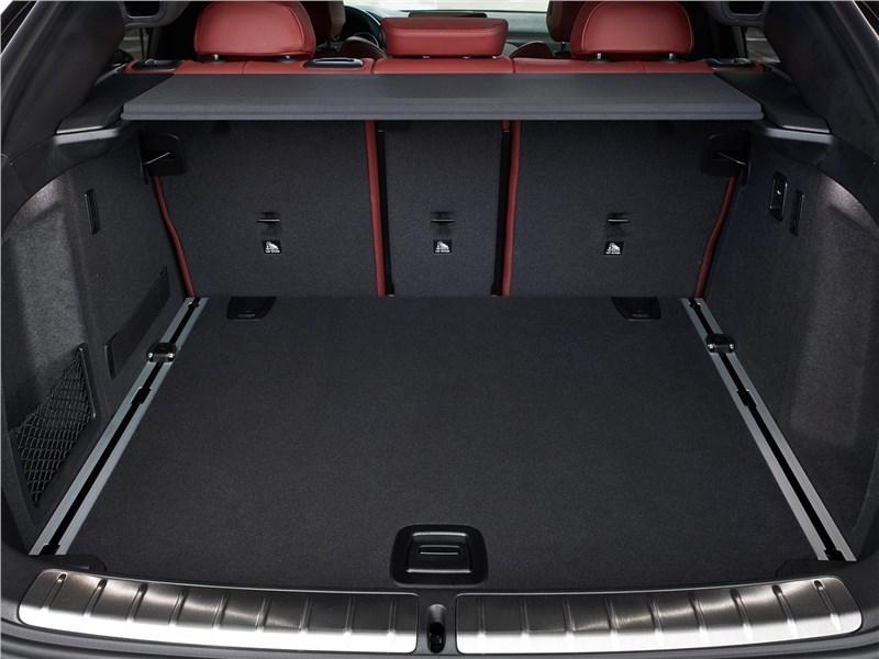 BMW X4 2019 багажное отделение