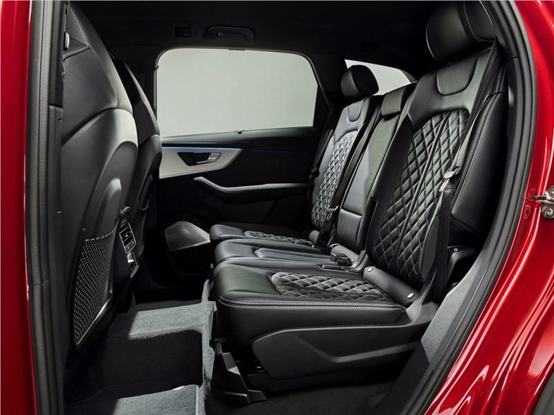 Audi Q7 2020 задний диван