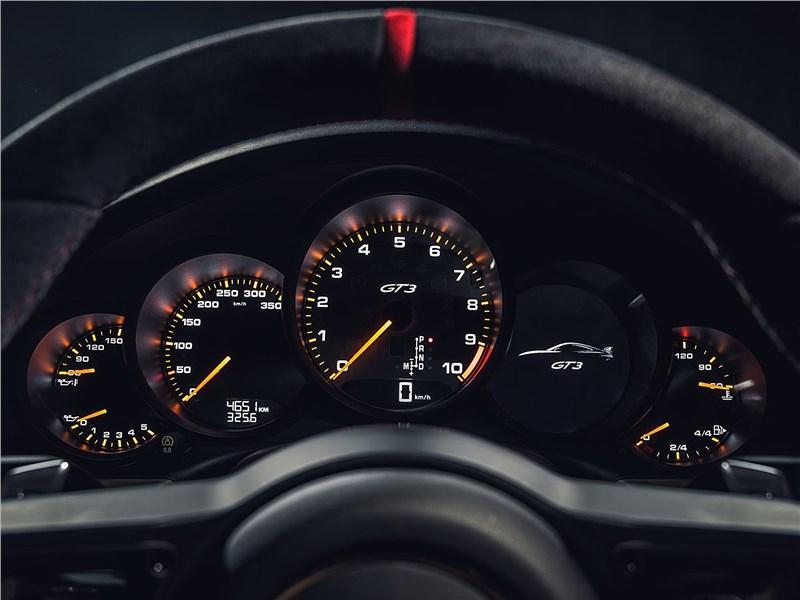 Porsche 911 GT3 2018 приборная панель