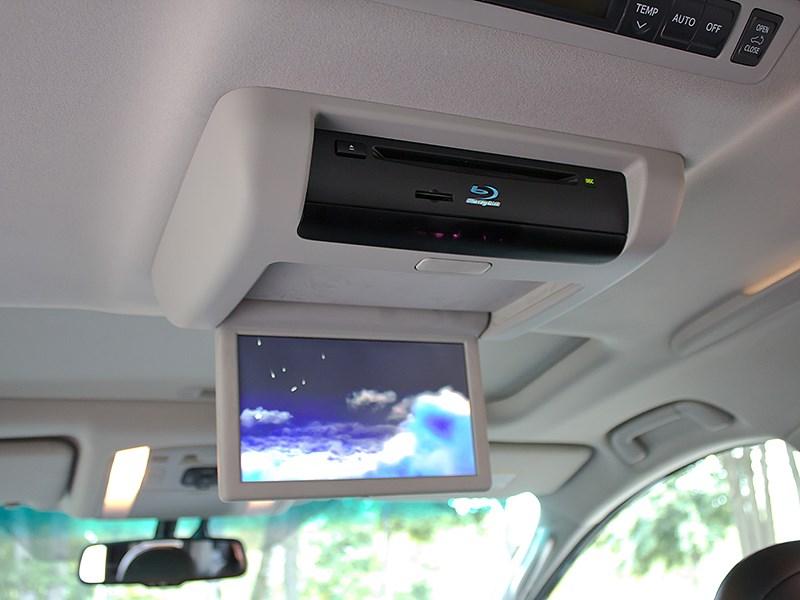 Toyota Alphard 2008 потолочный экран