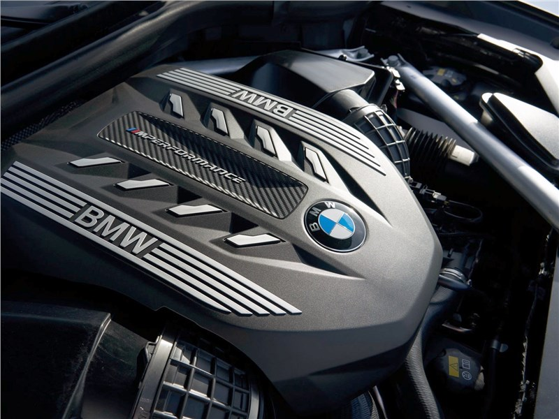 BMW X6 M50i 2020 двигатель