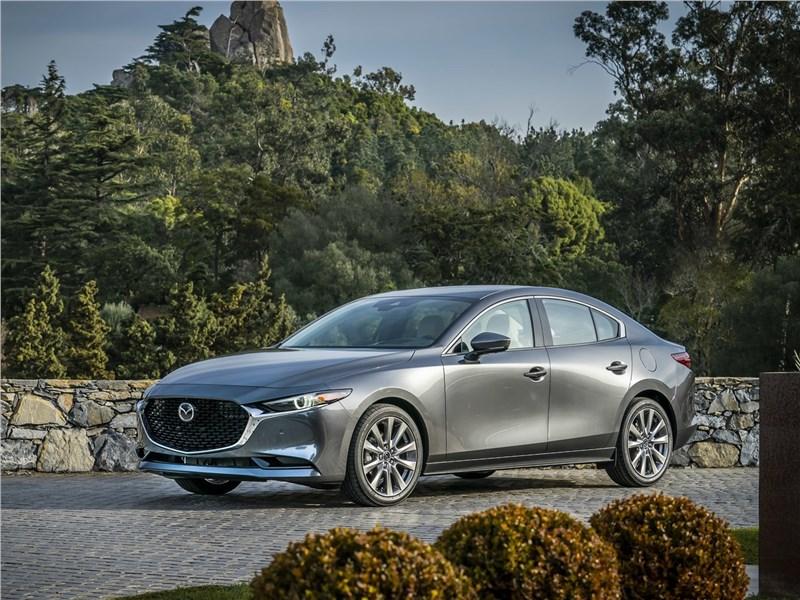 Mazda 3 Sedan 2019 вид спереди