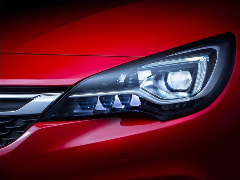 Opel Astra 2016 передняя фара