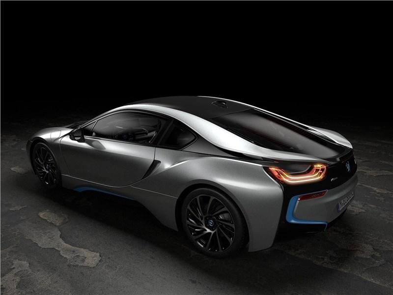 BMW i8 Coupe 2019 вид сзади