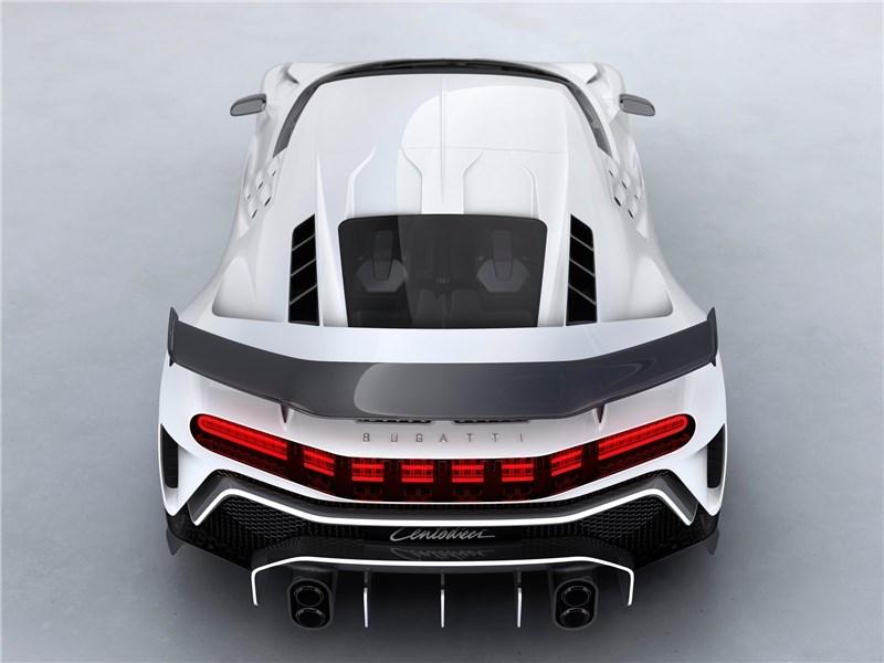 Bugatti Centodieci 2020 вид сзади сверху