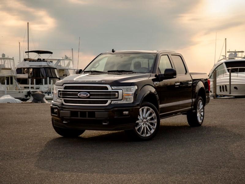 Ford F-150 Limited: роскошный интерьер и мощный двигатель