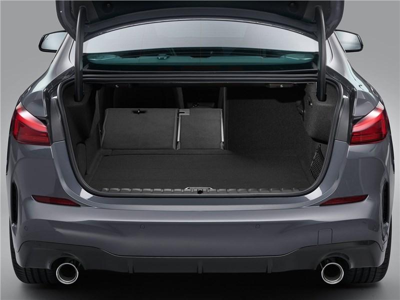 BMW 2-Series Gran Coupe 2020 багажное отделение