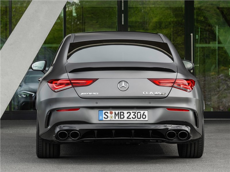 Mercedes-Benz CLA AMG 2020 вид сзади