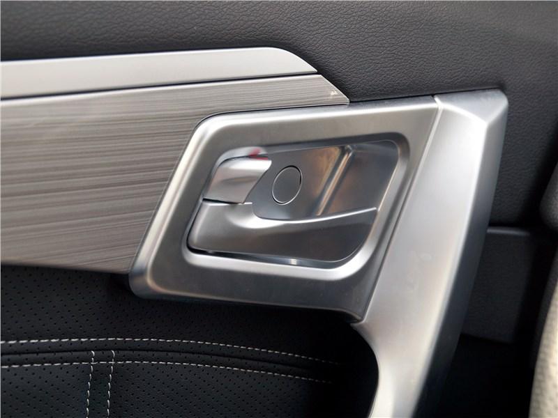 Geely Emgrand X7 2018 передняя дверь