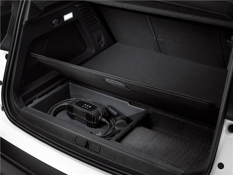 Citroen C5 Aircross Hybrid 2020 багажное отделение
