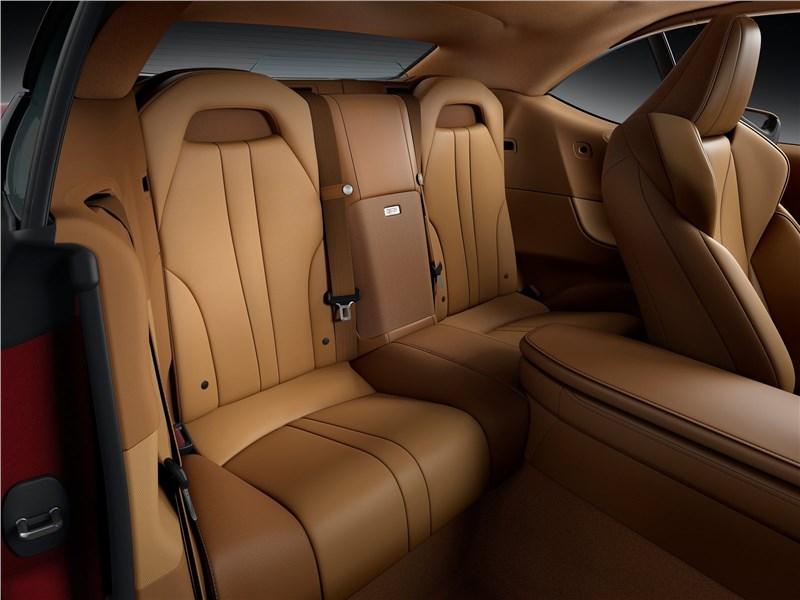 Lexus LC 500 Convertible 2021 задние кресла