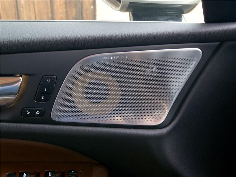 Volvo V60 Cross Country 2019 динамик