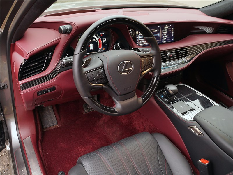 Lexus LS 500 2018 салон
