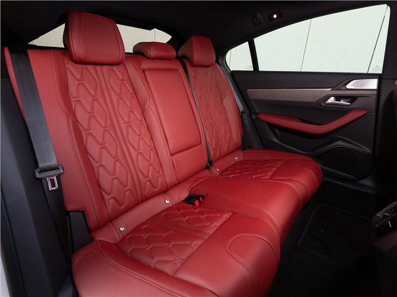 Peugeot 508 2019 задний диван