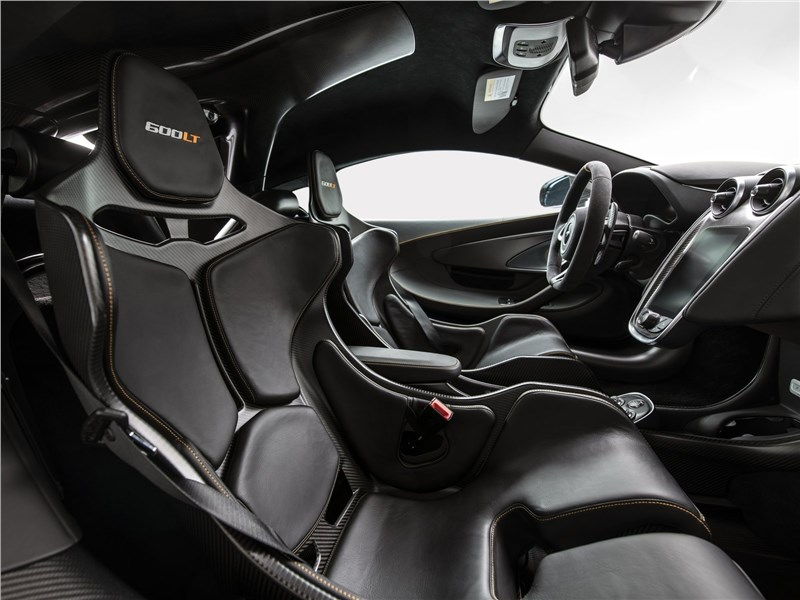 McLaren 600LT 2019 кресла