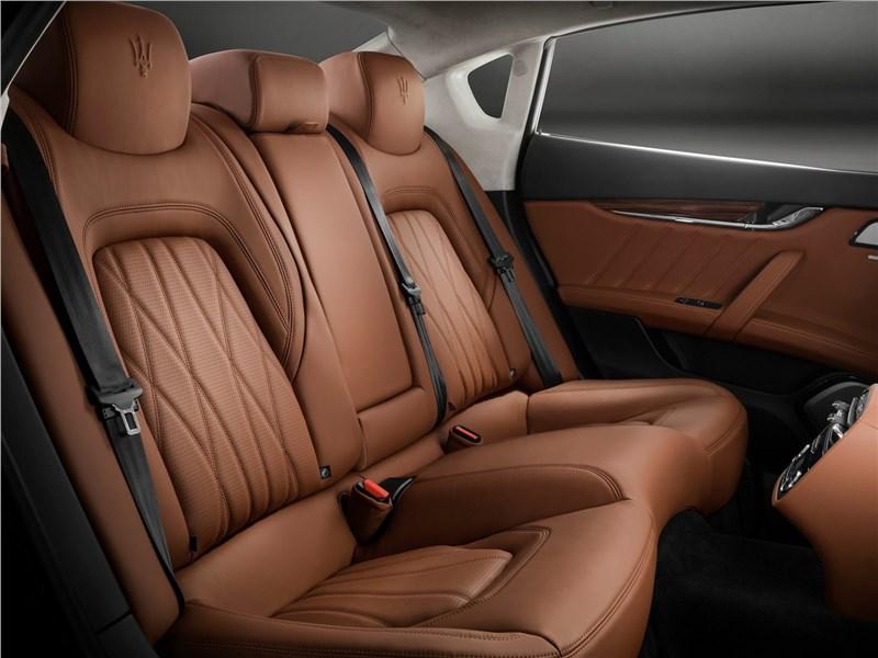 Maserati Quattroporte 2019 задний диван