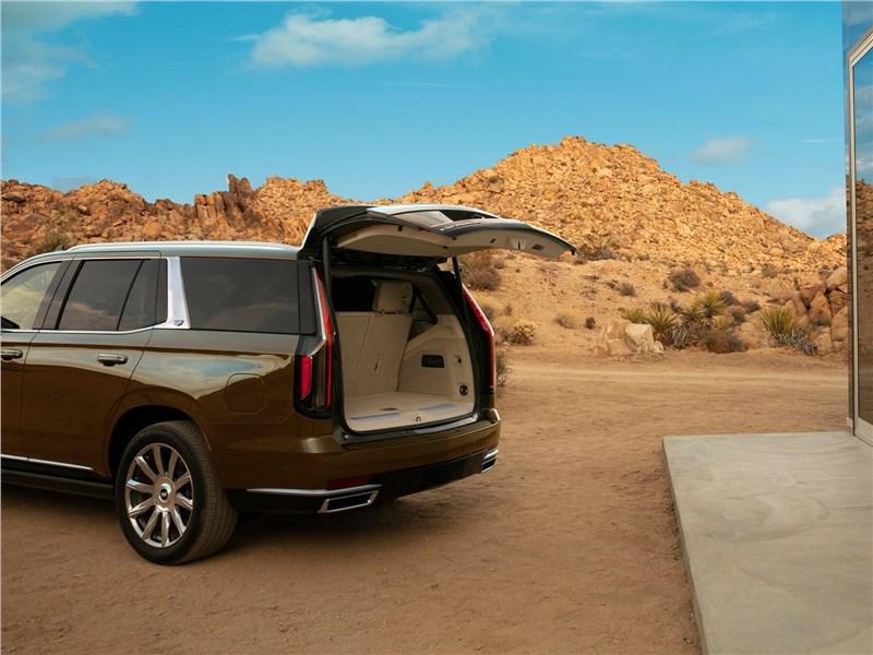 Cadillac Escalade 2021 багажное отделение