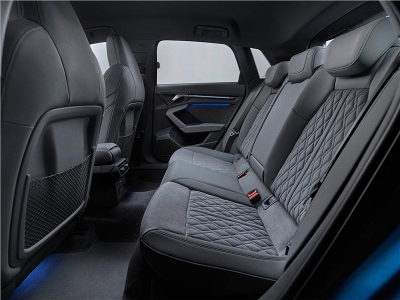 Audi A3 Sportback 2021 задний диван