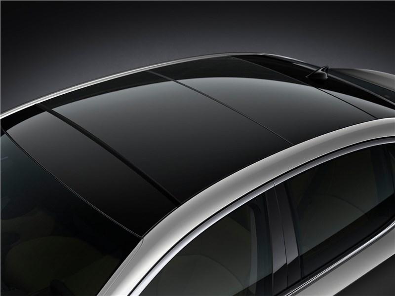 Lexus LS (2021) панорамная крыша