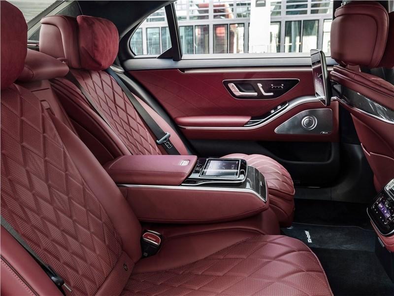 Mercedes-Benz S-Class (2021) задний диван