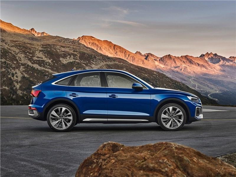 Audi Q5 Sportback (2021) вид сбоку