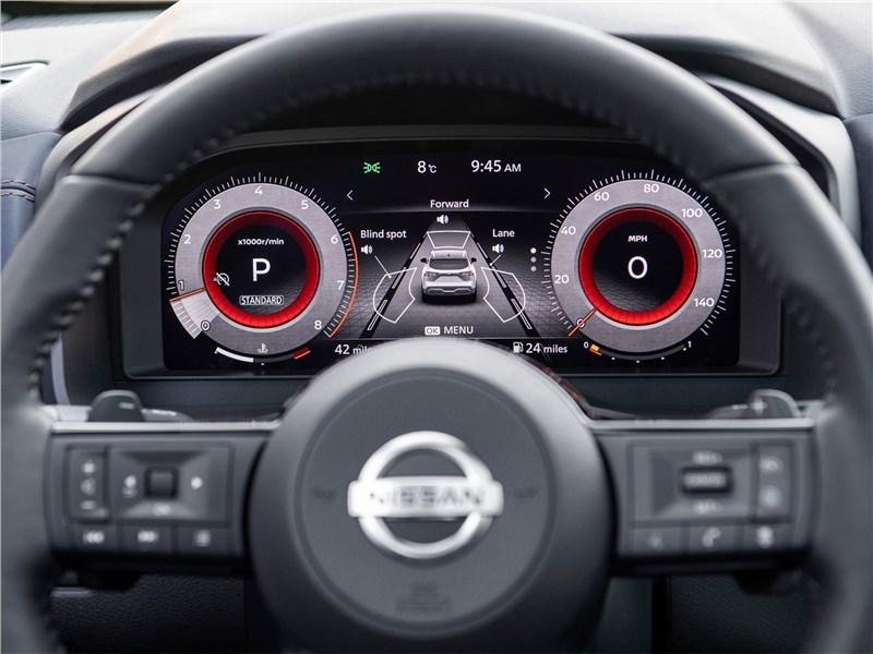 Nissan Qashqai (2022) приборная панель