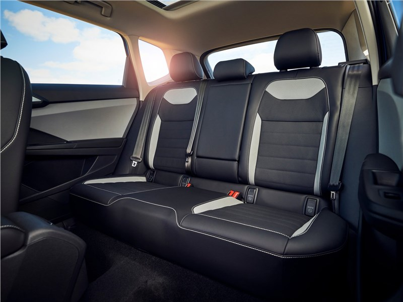 Volkswagen Taos (2022) задний диван