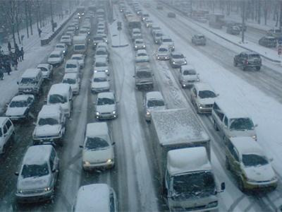 Зимой в московских автомобилях меньше людей, чем летом
