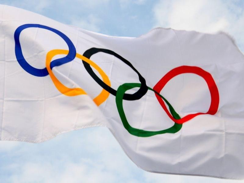 Чемпионы Олимпийских Игр получили по автомобилю