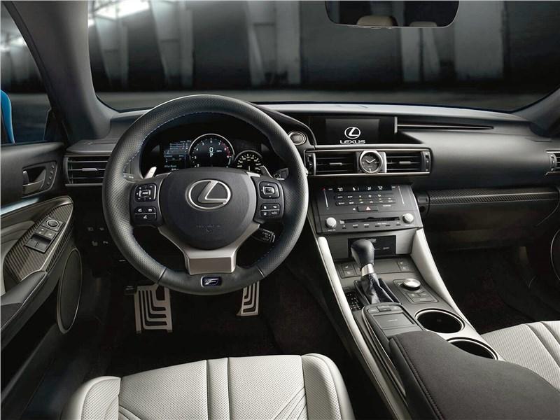Lexus RC F 2015 салон