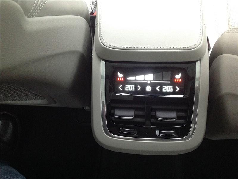 Volvo XC90 2015 климатическая установка для пассажиров