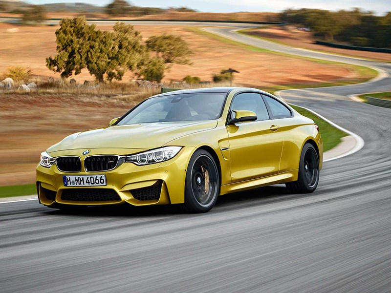 BMW M4 Coupe 2014 вид спереди фото 2