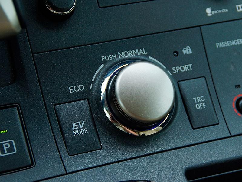 Lexus CT 200h 2014 селектор выбора режимов движения