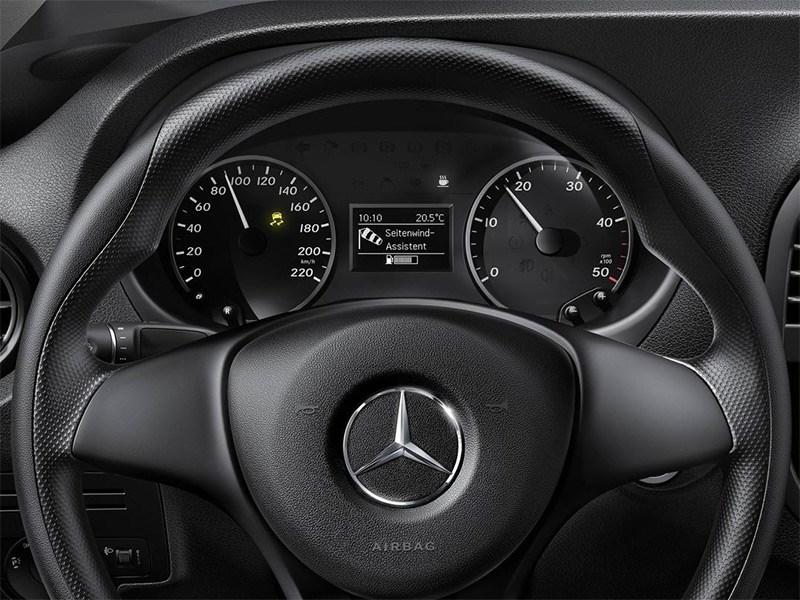Mercedes-Benz Vito 2015 приборная панель