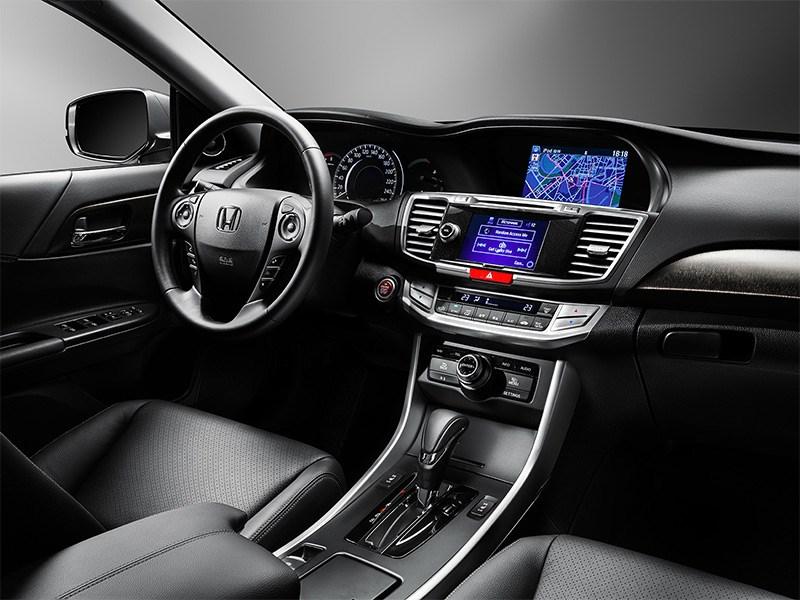 Honda Accord 2015 салон фото 2